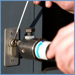 State Locksmith Services Flossmoor, IL 708-297-9150
